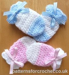 Baby Mitts free crochet pattern from http://www.patternsforcrochet.co.uk/baby-mitts-usa.html #patternsforcrochet