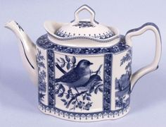 Porcelain Teapot Blue Toile Bird Portraits Nature - one of my favorite teapots (nice and big) Blue And White China, Blue China, Blue Onion, Teapots And Cups, Chocolate Pots, Vintage Tea, Vintage Kitchen, White Porcelain, Porcelain Ceramic