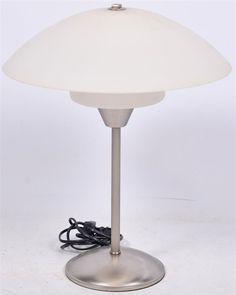 FINN – Eldre bordlampe retro Table Lamp, Retro, Lighting, Glass, Home Decor, Table Lamps, Decoration Home, Drinkware, Room Decor