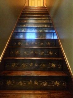Amazing Farmhouse Stairs Idea Can Be Favorite Selection 10 Stenciled Stairs, Painted Stairs, Painted Floors, Stair Art, Stair Decor, Stairwell Decorating, Diy Stair, Farmhouse Stairs, Painted Staircases