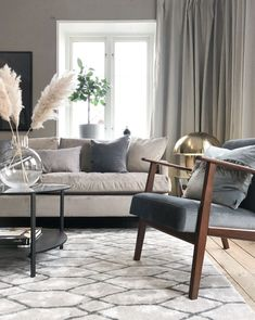 The Best Beige Living Room Design Ideas - Designing a living room decor is a key to transforming an ordinary room to a wonderful one. A few simple steps can be easily done and make a big diffe. Beige Living Rooms, Living Room Trends, Living Room Colors, Living Room Inspiration, Living Area, Living Room Designs, Living Room Decor, Greige, Interior Design
