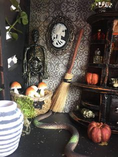 Miniature witch diorama Halloween dollhouse miniature witch