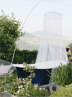 To live in the country & have an outdoor shower ♥  Much less to say for the rinsing & Watering of Potted Plants...Exquisit.