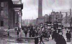 GPO 1916 Ireland 1916, Dublin Ireland, Old Pictures, Old Photos, Dublin Street, Books To Read, Street View, War, History