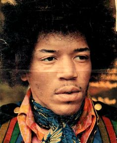 A very young and gorgeous Jimi Hendrix. Jimi Hendrix Experience, Psychedelic Music, Celebrity Drawings, Beautiful Men, Beautiful People, Afro Punk, Janis Joplin, Kinds Of Music, Paul Mccartney