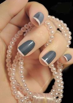 Nail Art Genius really knows how to create her own version of an elegant