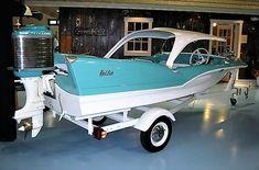 Classic Fin Boat