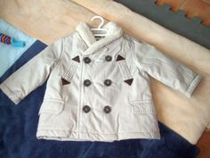 Abriguito Zara a estrenar, 3-6 meses, unisex.   Color beige con cuello de borreguito e interior acolchado.  www.creciclando.com/Articulo-SegundaMano/Abrigo/1111?pag=0#