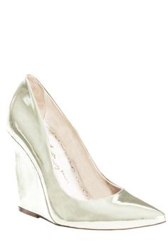12 flattering pairs of wedding shoes for the chic bride