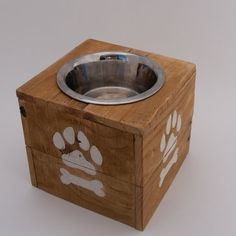 Dog Bowl // Reclaimed Up-cycled Pallet Dog Feeder // Pet Bowl // Dog Feeding Stand