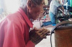 #LoloAlfredo #Salaver : A 97-Year-Old #Homeless #Grandfather Helped By #Students in #CebuCity #fb