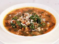 Lentil Soup with Kale and Sausage Recipe : Rachael Ray : Food Network - Sub no lentils! Kale Sausage Recipe, Lentil Sausage Soup, Lentil Soup Recipes, Kale Recipes, Sausage Recipes, Cooking Recipes, Healthy Recipes, Turkey Sausage, Ground Sausage