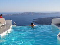 One of my next travel destinations. #Greece #Santorini #LuxuryTravel  @jiunho in Santorini, Greece