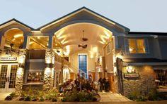 Cooper's Corner | Located in Fish Creek in Door County, Wisconsin | Restaurant, The Barrel Room, Fat Louie's Olive Oil Company