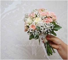 Romantyczny różowy bukiet ślubny z róż i gipsówki opolskie Floral Wreath, Wreaths, Table Decorations, Bridal, Home Decor, Image, Stop It, Flowers, Floral Crown