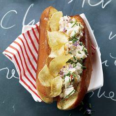 Lobster Roll w/ Potato chips