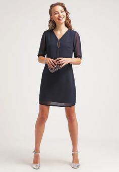 Vêtements Young Couture by Barbara Schwarzer Robe d'été - navy bleu foncé: 120,00 € chez Zalando (au 01/11/16). Livraison et retours gratuits et service client gratuit au 0800 915 207.