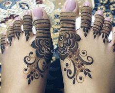 Don't really like this Henna tattoo but hey Mehendi, Leg Mehndi, Leg Henna, Foot Henna, Henna Mehndi, Khafif Mehndi Design, Mehndi Designs Feet, Mehndi Design Pictures, Mehndi Images