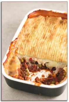 Low fat vegan Shepherd's pie - You give this vegan Shepherd's pie a try! It's a super healthy high carb, low fat recipe and is extremely delicious! Low Fat Vegetarian Recipes, Veggie Recipes, Vegan Vegetarian, Healthy Recipes, Vegan Chef, Veggie Meals, Veggie Food, Steak Recipes, Recipes Dinner
