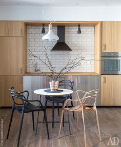 Кухня из IKEA. Для оформления ниши вокруг фартука Екатерина использовала доски, предназначенные для изготовления столешниц.
