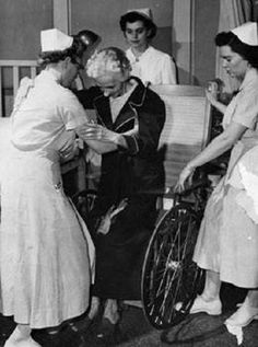 Vanderbilt nursing students aiding an elderly patient during hospital clinicals. 50 Vintage Photos of Nurses Being Awesome! #Nursebuff #Vintage #Nurse