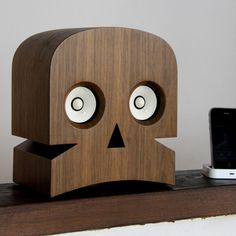 Minuskull, A Skull-Shaped Speaker