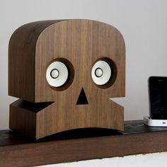 ドクロっぽいスピーカーです:Minuskull, A Skull-Shaped Speaker