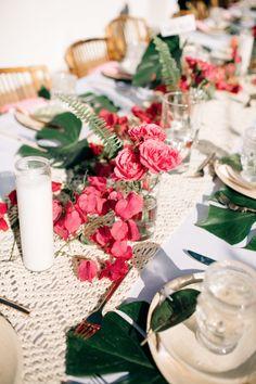Signature Party Rentals | Wedding Inspiration | Party Planning | Tablescape | Decor | Deisgn | Outdoor Wedding | Wedding Reception | Peach & Magenta | Tropical