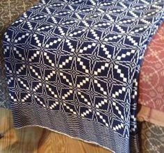 Coverlet x Star of Bethlehem pattern Family Heirloom Weavers- blue/whte Weavers Cloth, Welsh Blanket, Dobby Weave, Star Of Bethlehem, Sampler Quilts, Weaving, Stars, Crochet, Blankets