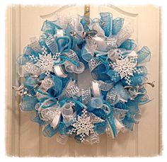 Snowflake Turquoise and Silver Deco Mesh Wreath/Christmas Deco Mesh Wreath/Snowflake Wreath/Turquoise and Silver Wreath/Christmas Wreath by CKDazzlingDesign on Etsy Frozen Wreath, Frozen Snowflake, Snowflake Wreath, White Snowflake, Wreath Crafts, Diy Wreath, Wreath Ideas, Tulle Wreath, White Wreath