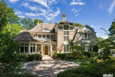 Extraordinary Haute Habitats on the Gold Coast of Long Island, New York: Lloyd Harbor Cold Spring Harbor, Radiant Heat, Living Room With Fireplace, Full Bath, Traditional House, Long Island, Habitats, New England, Beautiful Homes