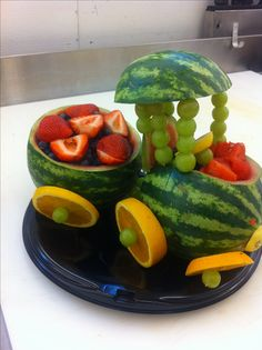 Entrees and More Art Gallery Watermelon train Watermelon Fruit, Watermelon Carving, Watermelon Basket, Cute Food, Good Food, Fruits Decoration, Fruit Creations, Fruit And Vegetable Carving, Food Carving