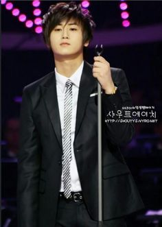 Heo Young Saeng, Asian Celebrities, Asian Boys, Beauty Queens, Kpop Boy, Music Is Life, Kdrama, Singing, Romance