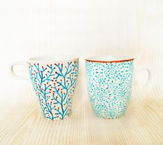 Handpainted mugs with tutorial in English and German