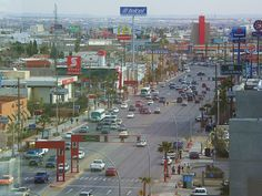 cd Juarez Chihuahua México. - Taringa! Great Places, Places Ive Been, Places To Go, Beautiful Places, South Of The Border, Across The Border, Vacation Places, Vacations, Vacation Memories