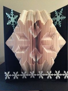 Book Folding Pattern for a Snowflake Winter by BookFoldingForever