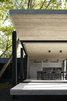 blending the indoors and outdoors - Elm and Villow House by Architects EAT