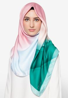 Tudung Bawal Premium Exclusive Aurora Satin Shawl Italian Pucci By Cloverush Fesyen Tudung Terkini 2016 & 2017 4    Boleh beli di sini : http://invl.co/9tr
