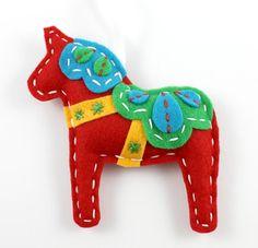 Dala Horse Hand Sewing Pattern Felt Xmas - Xmas mittens