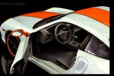 La idea es una decoracion gulf para un coche de calle, con detallado interior en gris y cambio de llantas.