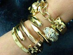 Kim coloca foto em seu Instagram com suas pulseiras Cartie