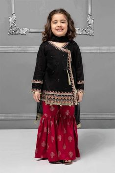 Kids designer dresses - Maria B Kids Winter Collection 2019 New Designs for Kids Stylostreet Girls Frock Design, Kids Frocks Design, Baby Frocks Designs, Baby Dress Design, Baby Girl Dresses Fancy, Frocks For Girls, Girls Dresses, Summer Dresses, Kids Fashion Dresses