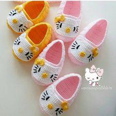 Best 12 Crochet Child Booties Crochet Baby Booties Supply : Crochet Baby Moccasins by debozark – ideas crochet kids slippers hello kitty for it's so sweettttt 😄😄😄 What do you think of this post ?Best 12 You will love Baby Girl Crochet Blanket, Crochet Baby Boots, Crochet Baby Sandals, Booties Crochet, Crochet Baby Clothes, Crochet Slippers, Baby Booties, Kids Slippers, Hello Kitty Crochet