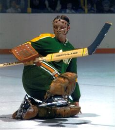 The California Golden Seals goalie pictured above is Bob Champoux. Don't worry, this well travelled goalie usually played with a catching g. Nhl Games, Hockey Games, Hockey Goalie, Hockey Players, Bruins Hockey, Goalie Mask, Masked Man, Vancouver Canucks, National Hockey League