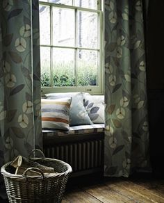 Pattern doesn't have to mean busyness. If you like the idea of its decorative detail, but want a calm effect, look for a simple motif in a subtle colour palette. Free Boxes, Curtain Patterns, Through The Window, Window Sill, Reading Nook, Home Look, Interior And Exterior, Art Deco, Indoor