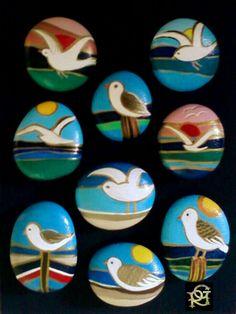 Gabbiani- Painted Stones di Rosaria Gagliardi