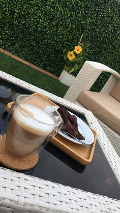 Coffee And Books, Coffee Love, Foto Snap, Snapchat Picture, Snap Food, Food Snapchat, Coffee Photography, Food Pictures, Morning Coffee