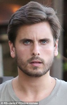 Scott Disick, when he was younger, tan clean shaven he was ugly to me. Then he grew out his beard, stopped trying to look like pauly d became a father OMG he is officially a handsome man. Scott Disick And Kourtney, Lord Disick, Beard Boy, Becoming A Father, Clean Shaven, Fathers Love, Tom Hanks, Paranormal Romance, Attractive People