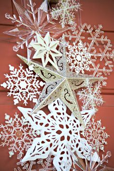 Make this dollar store snowflake door hanger with just a few simple supplies and lots of different and sparkly snowflakes. Dollar Store Christmas, Christmas Door, Merry Christmas, Office Christmas, Christmas Kitchen, Christmas Stocking, White Christmas, Snowflake Decorations, Outdoor Christmas Decorations