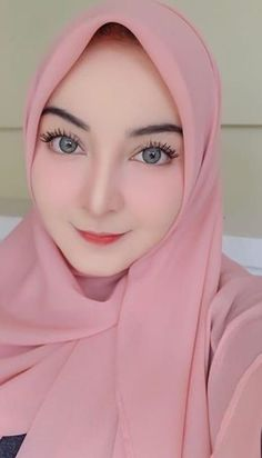 Beautiful Hijab Girl, Beautiful Muslim Women, Muslim Fashion, Hijab Fashion, Beauté Blonde, Moslem, Hijab Stile, Muslim Beauty, Girl Hijab